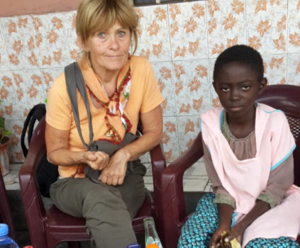 Ein Haus für 100 verwaiste, verstoßene, verlassene Kinder in Bandundu Ville